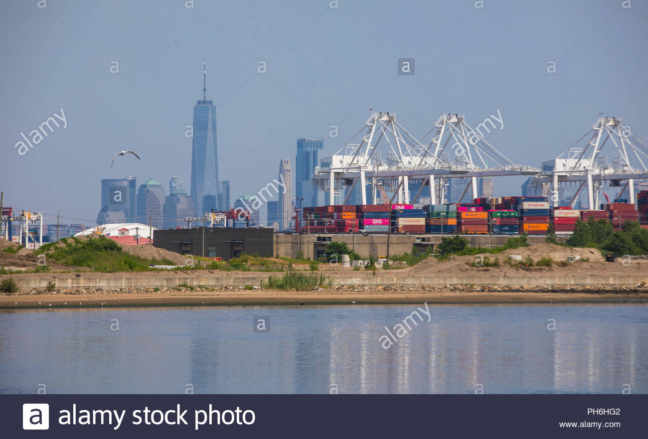View of new York City skyline from Bayonne - Stock Image