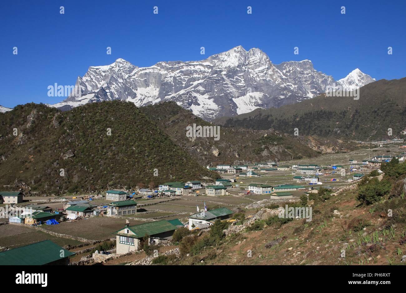 Khumjung, Sherpa village in the Everest National Park - Stock Image