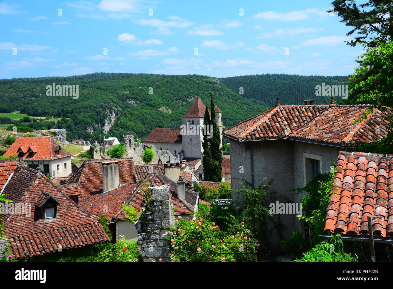 The medieval village of St-Cirq-Lapopie on the Lot RIver in southwest France - Stock Image