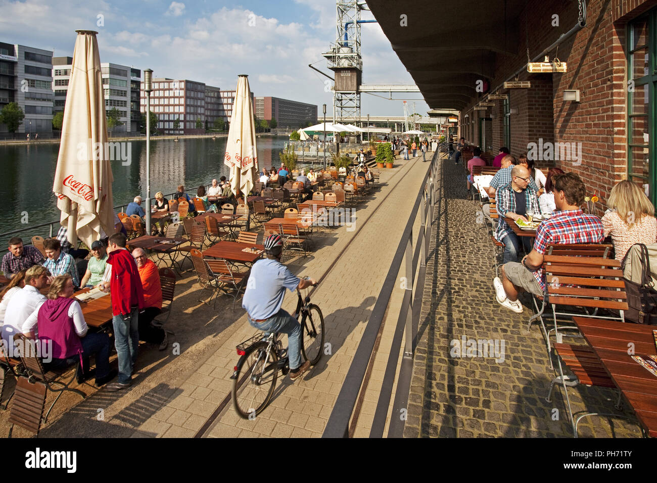People, gastronomy, Duisburg Inner Harbour, German - Stock Image