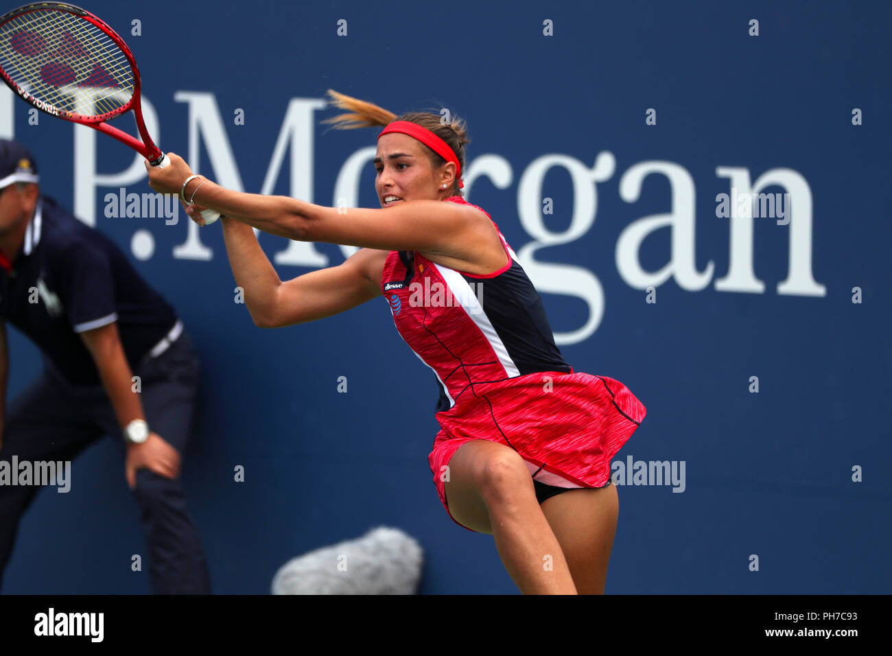 Flushing Meadows, New York - August 30, 2018: US Open Tennis:  Monica Puig of Puerto Rico returns a shot to Caroline Garcia of France during their second round victory over  at the US Open in Flushing Meadows, New York.  Garcia won the match in three sets to advance to the third round Credit: Adam Stoltman/Alamy Live News - Stock Image