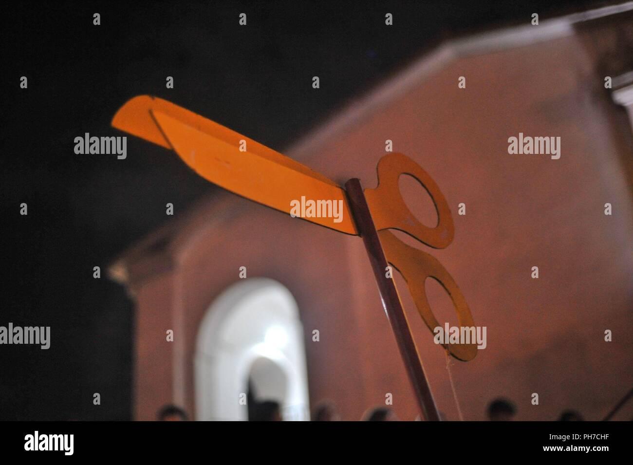 Scissor Symbol Stock Photos Scissor Symbol Stock Images Alamy