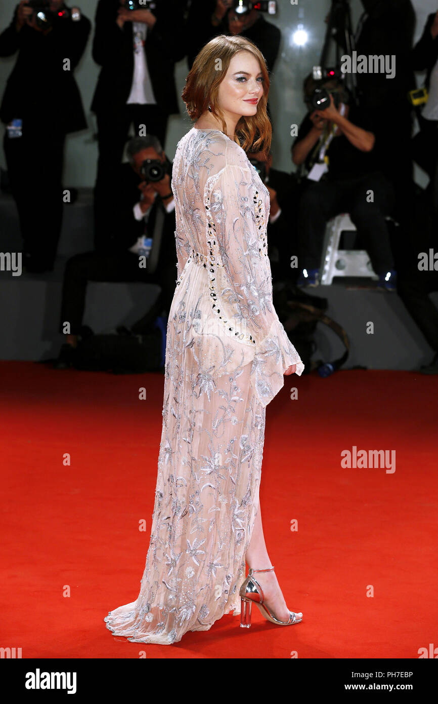 Venice, Italy. 30th Aug 2018. Emma Stone attends the 'The Favorite' première on August 30, 2018 in Venice, Italy.(By Mark Cape/Insidefoto) Credit: insidefoto srl/Alamy Live News - Stock Image