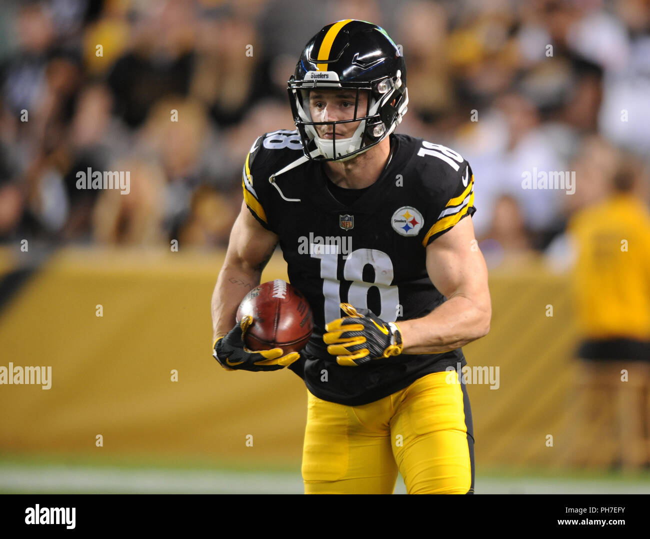 info for 95d1e e1ded Pittsburgh, USA. 30th Aug 2018. August 30th, 2018: Steelers ...