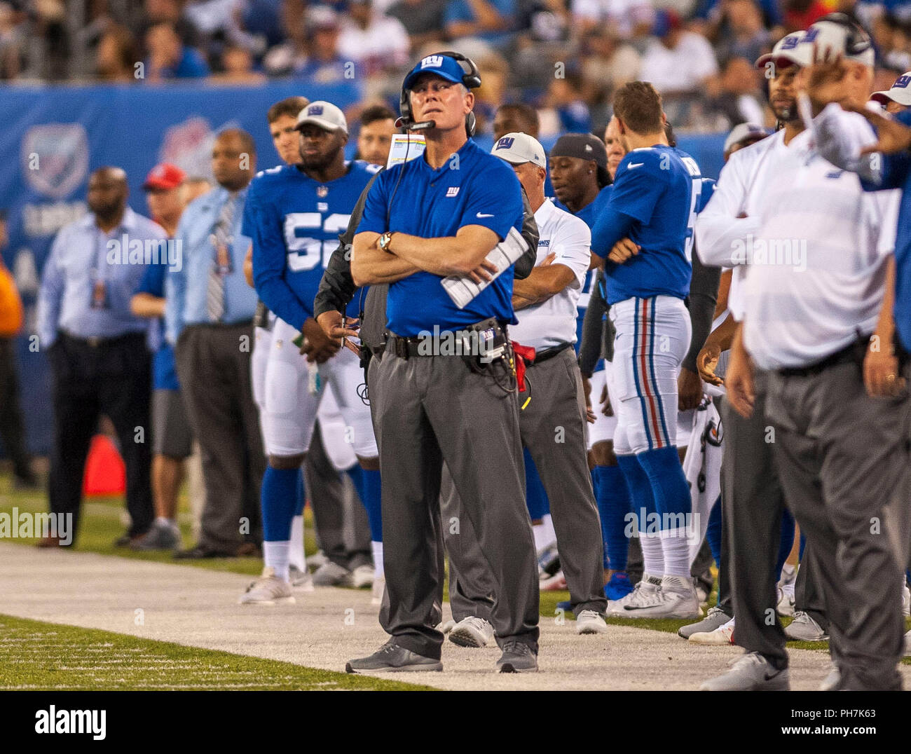 August 31, 2018 - East Rutherford, New Jersey, U.S. - New York Giants head coach Pat Shurmur looks at the scoreboard during a preseason game between the New England Patriots and the New York Giants at MetLife Stadium in East Rutherford, New Jersey. Duncan Williams/CSM - Stock Image