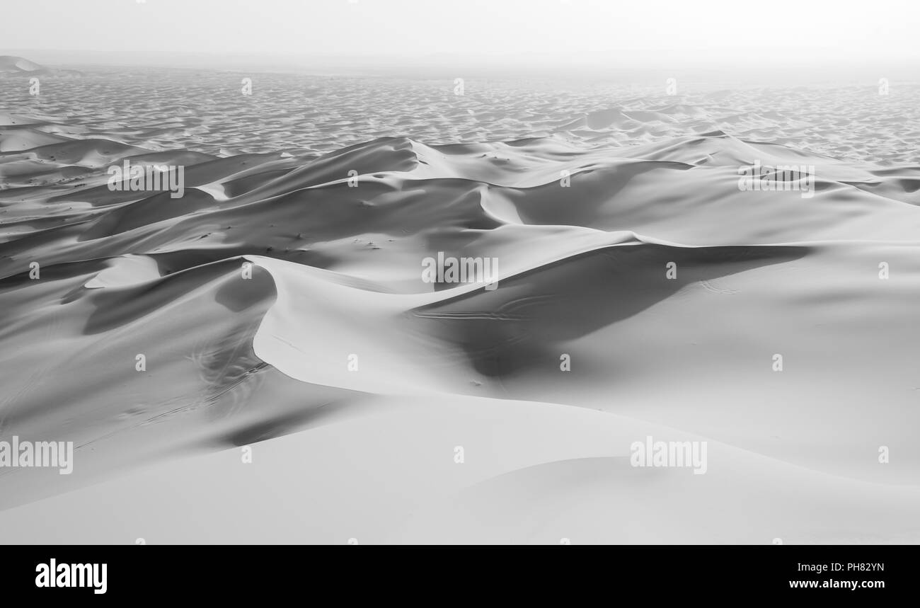 Sand dunes in the desert, dune landscape Erg Chebbi, Merzouga, Sahara, Morocco Stock Photo
