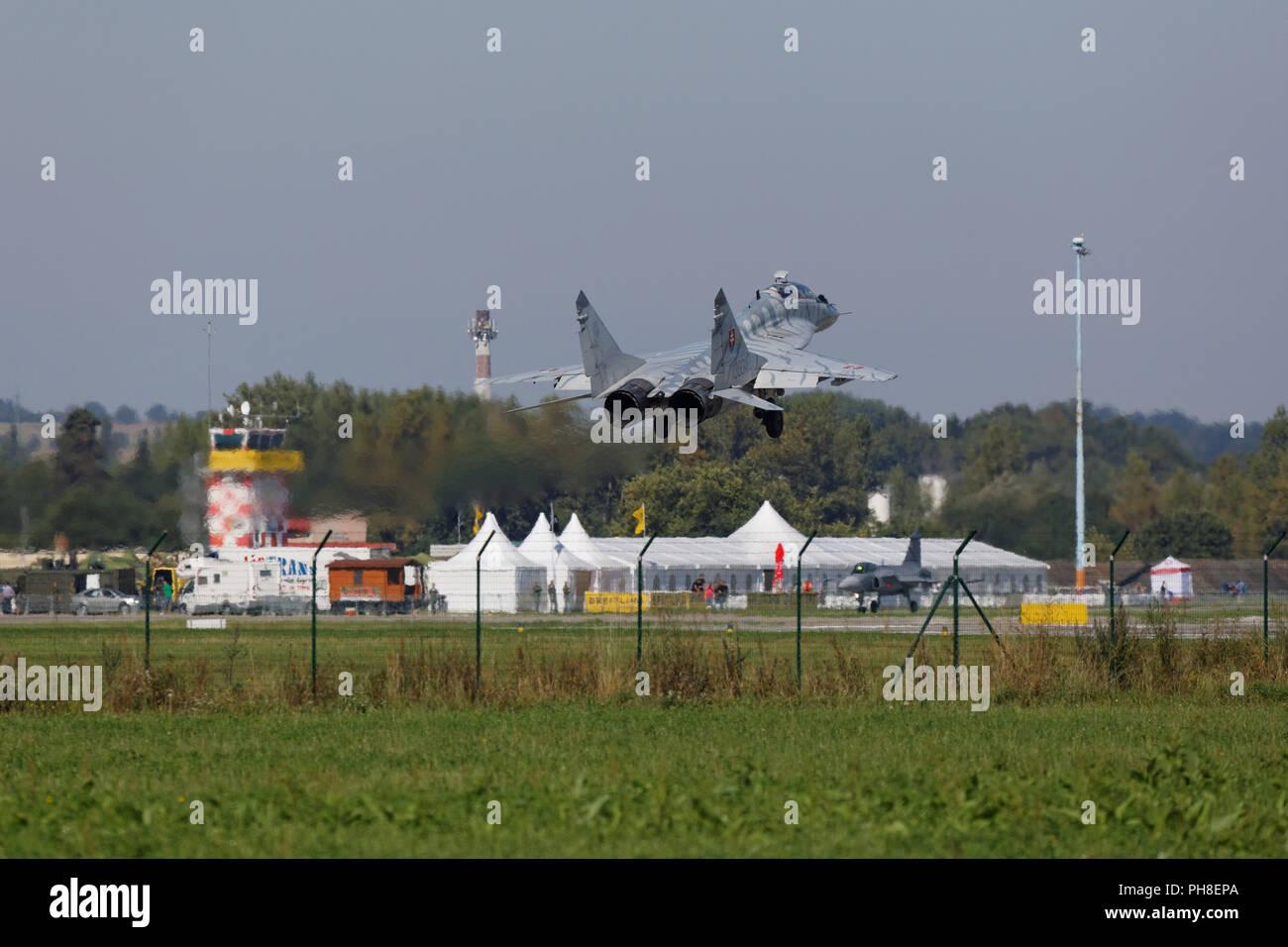 20. CIAF 2013: Mikojan-Gurewitsch MiG-29 der slowenischen Luftwaffe. Stock Photo