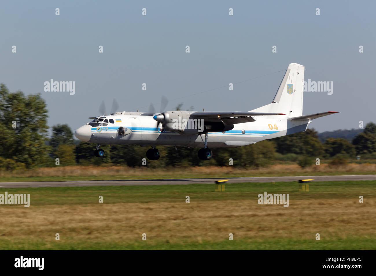 20. CIAF 2013: Antonow An-26 der ukrainischen Luftwaffe. Stock Photo