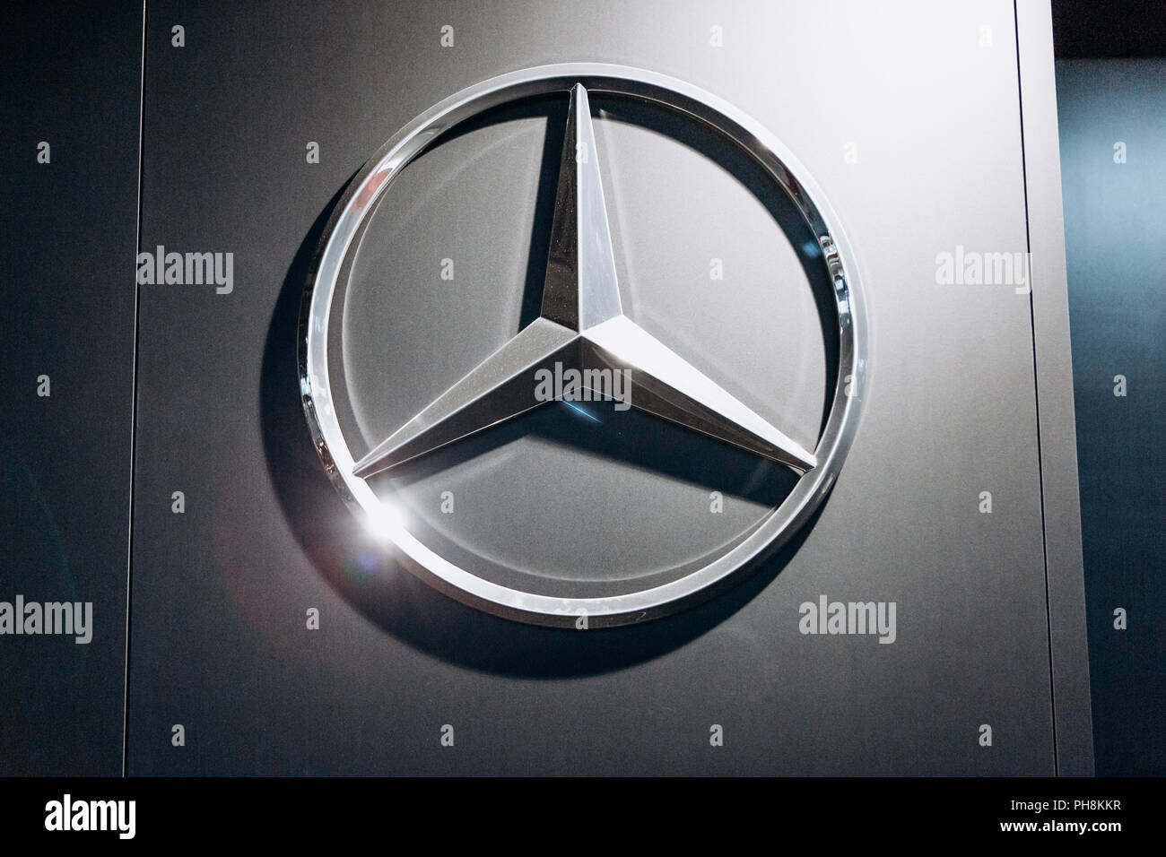 World sites of car manufacturing companies: a selection of sites