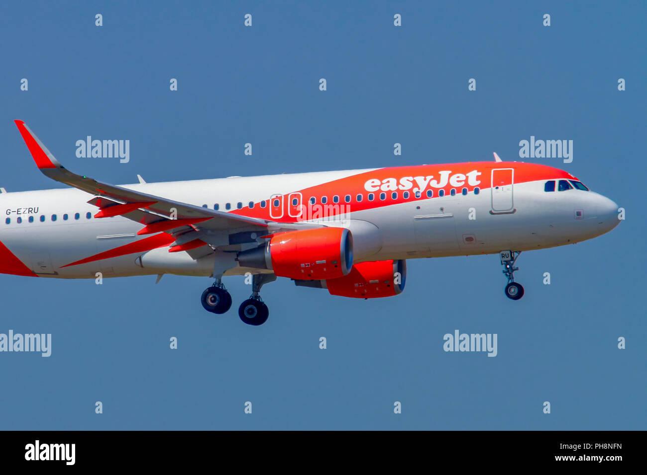 EasyJet Airbus A320-200 at Milan - Malpensa (MXP / LIMC) Italy - Stock Image