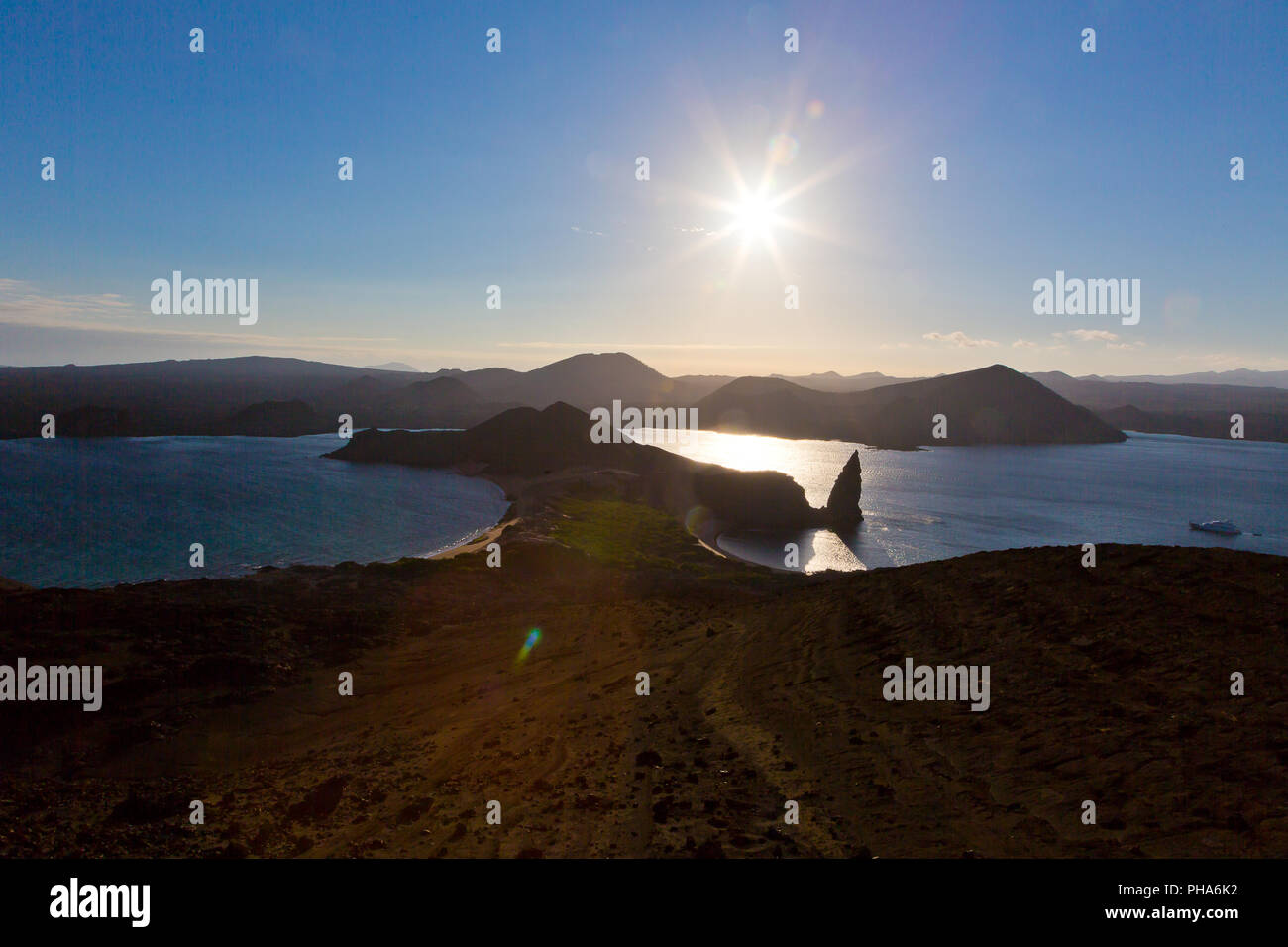 BARTOLOME ISLAND, VIEW OF PINNACLE ROCK, GALAPAGOS - Stock Image