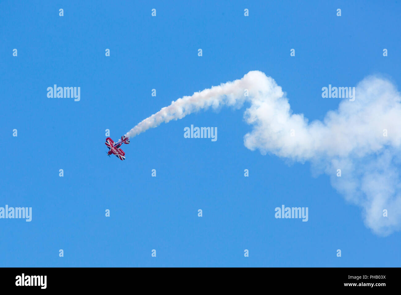 Bournemouth, UK. 31st August 2018. Crowds flock to Bournemouth for the 2nd day of the 11th annual Bournemouth Air Festival. Rich Goodwin thrills the crowds in his Super Pitts Muscle Plane. A first for Bournemouth Air Festival, pilot Rich Goodwin showcases the Muscle Biplane Pitts SaS G-EWIZ combining aerial manoeuvres and high energy muscle biplane. Credit: Carolyn Jenkins/Alamy Live News - Stock Image
