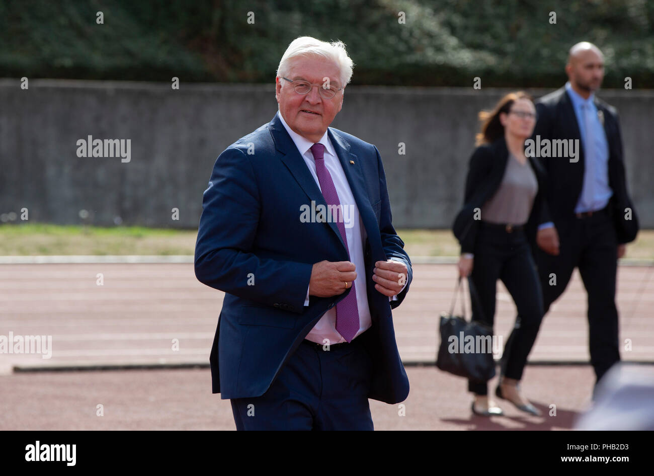 Bonn, Germany, August 31 2018:  Federal President Frank-Walter Steinmeier visits sports club Bonner SC. Steinmeier informed himself about the integration work of the club.             Credit: Juergen Schwarz/Alamy Live News - Stock Image