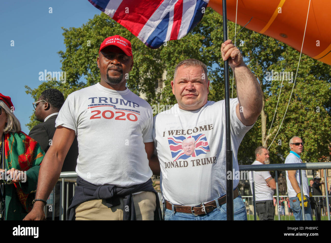 London, UK. 1st September 2018. Supporters of Donald Trump with the Sadiq Khan Balloon Credit: Alex Cavendish/Alamy Live News - Stock Image
