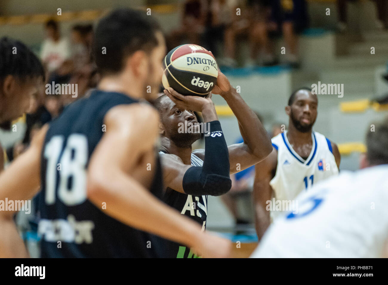 Belleville-sur-Saône, France. 31st August 2018.  Ain Star Games is a preparation tournament - The match was against ASVEL and KK Mornar Bar (88-68). Charles Kahudi with the ball. Credit: FRANCK CHAPOLARD/Alamy Live News - Stock Image