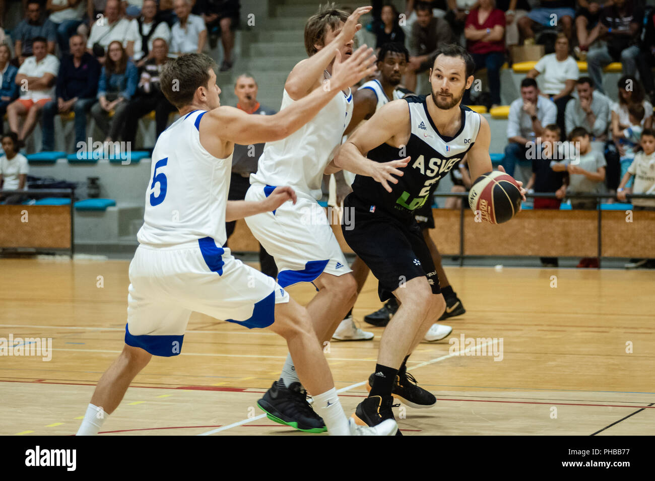Belleville-sur-Saône, France. 31st August 2018.  Ain Star Games is a preparation tournament - The match was against ASVEL and KK Mornar Bar (88-68). Miro Bilan with the ball. Credit: FRANCK CHAPOLARD/Alamy Live News - Stock Image