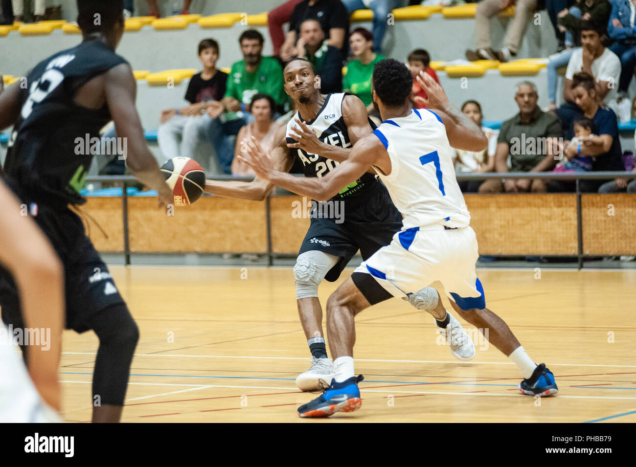 Belleville-sur-Saône, France. 31st August 2018.  Ain Star Games is a preparation tournament - The match was against ASVEL and KK Mornar Bar (88-68). De Marcus Nelson with the ball. Credit: FRANCK CHAPOLARD/Alamy Live News - Stock Image