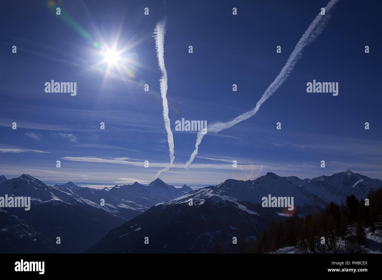 FLIGHT ROUTES IN THE SKY - Stock Image