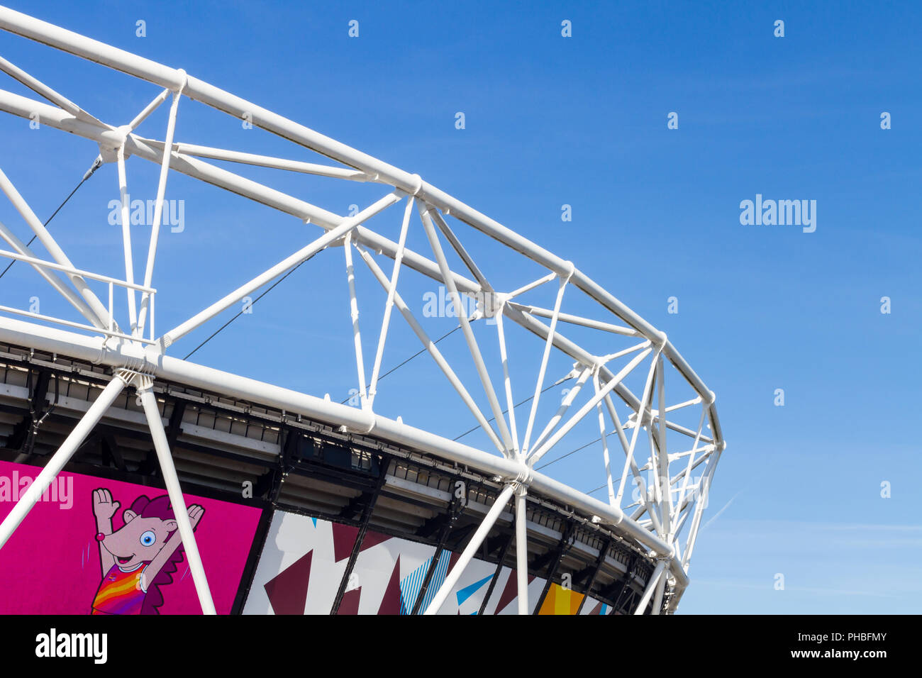 The Olympic Stadium in Queen Elizabeth Olympic Park, London, England.  The stadium is now home to West Ham United Football Club. - Stock Image