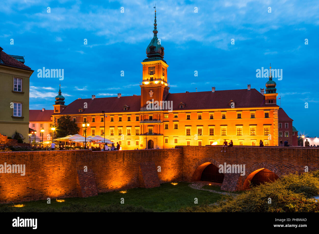 Royal Castle in Plac Zamkowy (Castle Square) at night, Old Town, UNESCO World Heritage Site, Warsaw, Poland, Europe - Stock Image