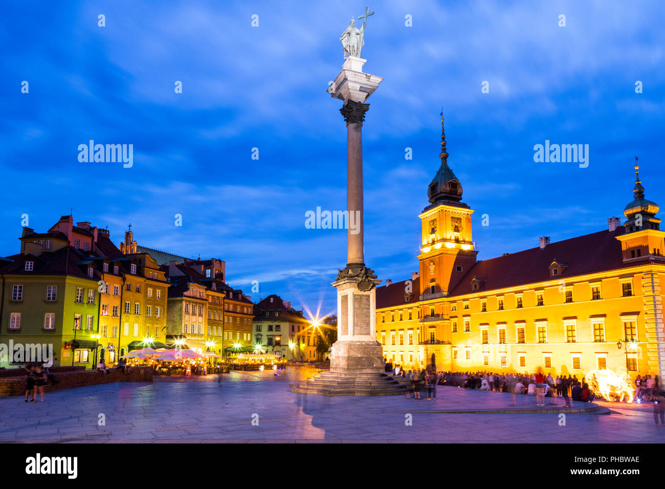Royal Castle and Sigismund's Column in Plac Zamkowy (Castle Square) at night, Old Town, UNESCO World Heritage Site, Warsaw, Poland, Europe - Stock Image