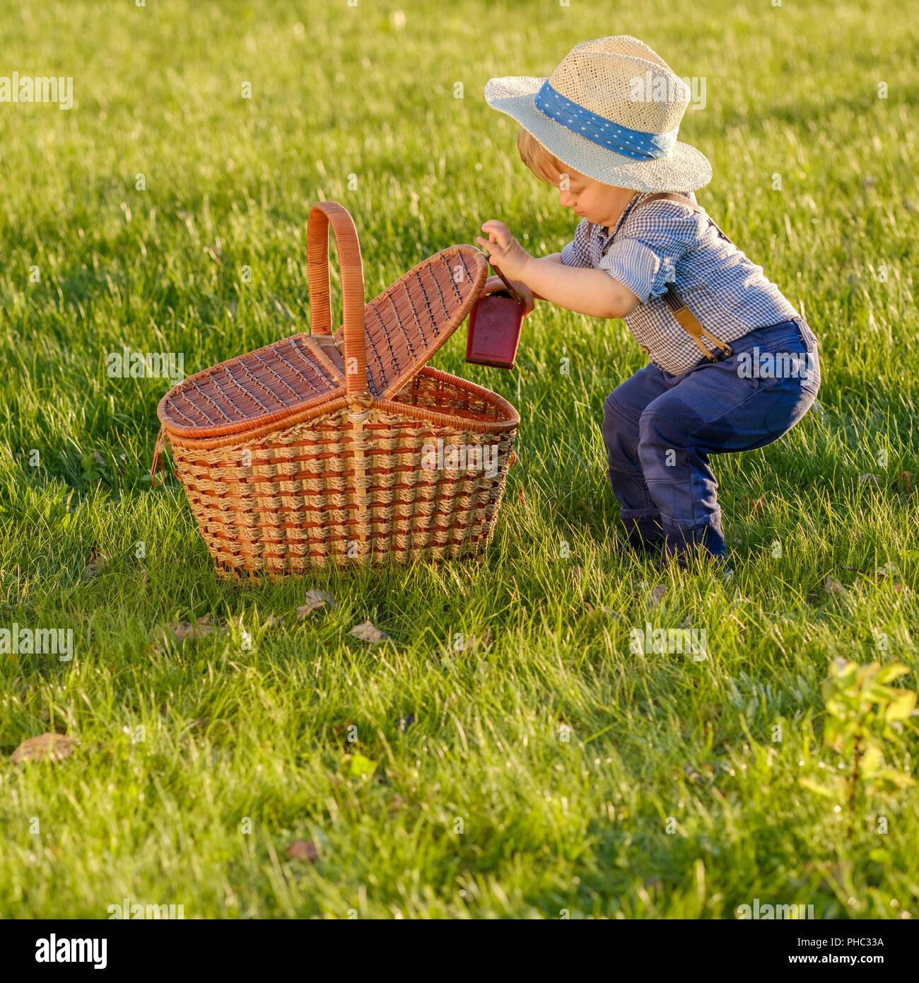 Baby In Green Cowboy Hat Stock Photos   Baby In Green Cowboy Hat ... 67653d359ed
