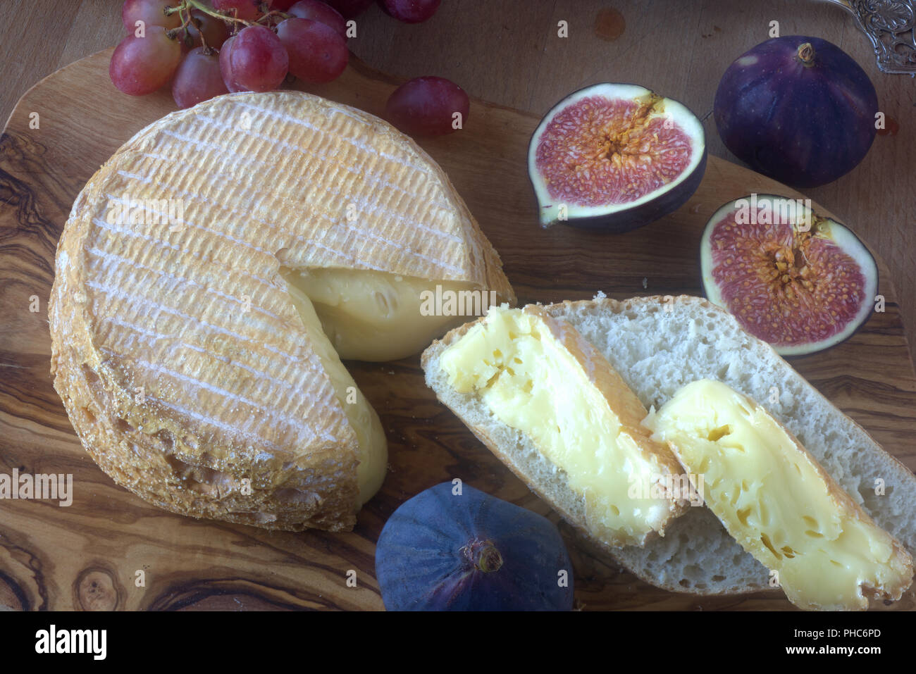 Livarot, French cheese from normandy; fromage français de Normandie - Stock Image