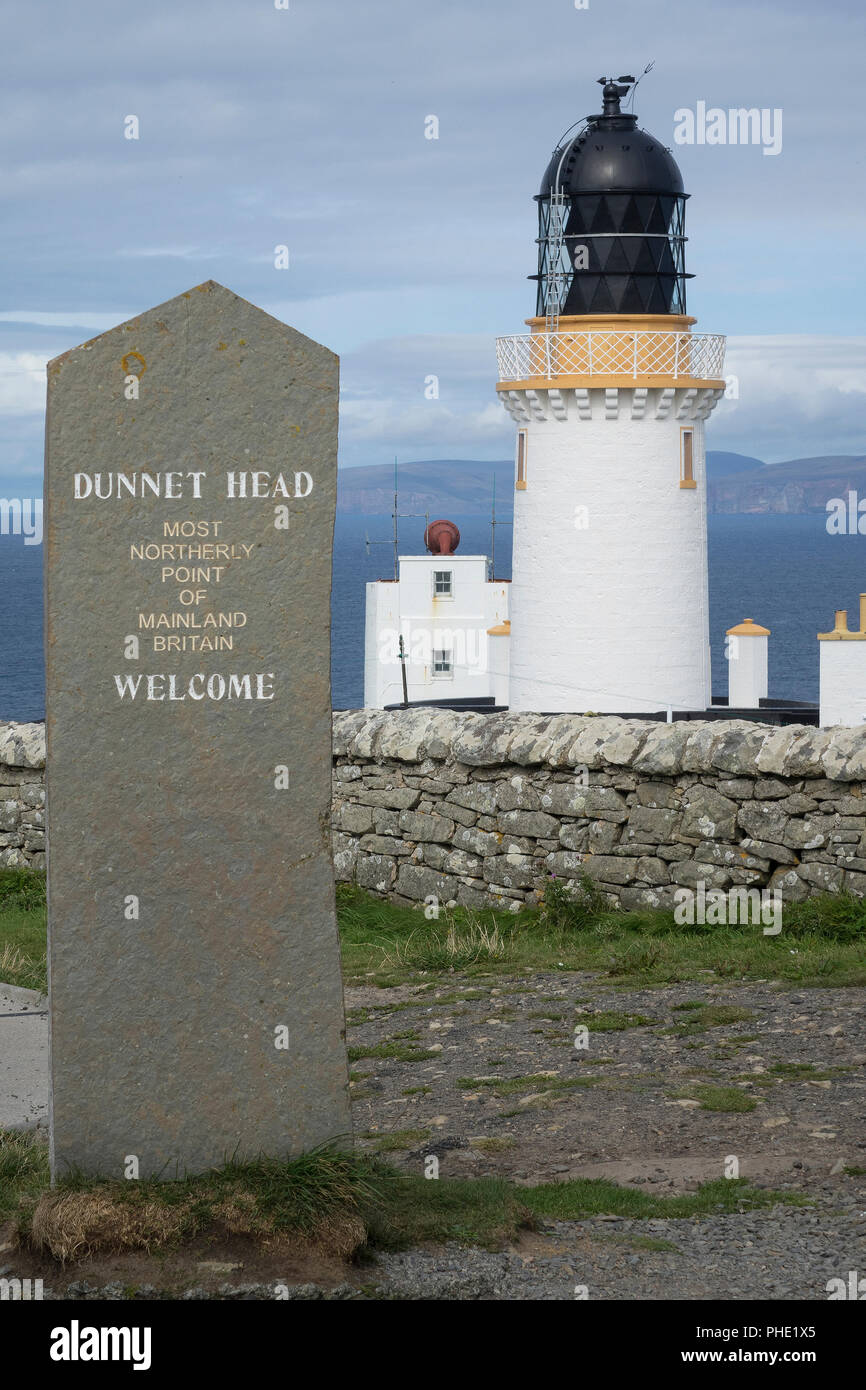 Scotland, Highlands, Caithness, Dunnet Head Lighthouse & memorial stone - Stock Image