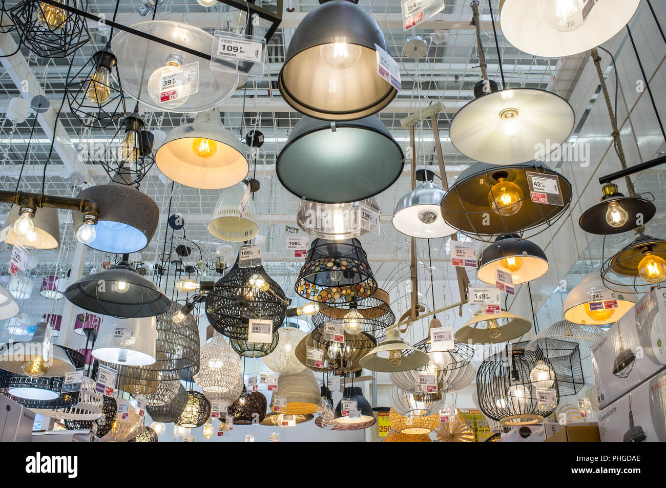 Plafoniere Neon Leroy Merlin : Leroy merlin shop online. rulli decorativi garden