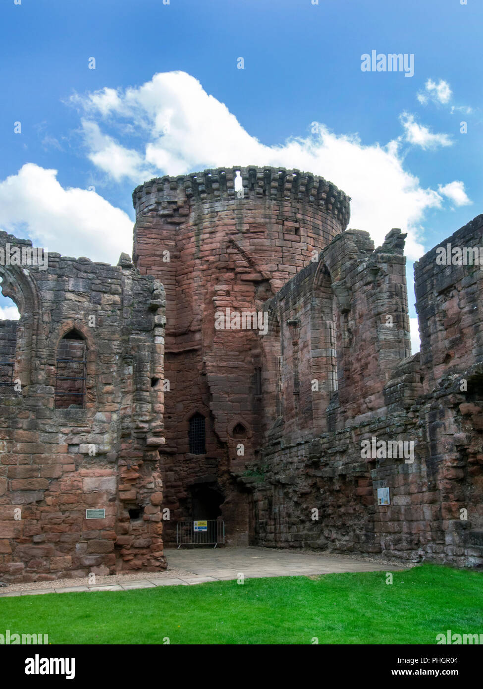 SOUTH LANARKSHIRE, SCOTLAND- AUGUST 31st 2018: The side of Bothwell Castles main hall and chapel. - Stock Image