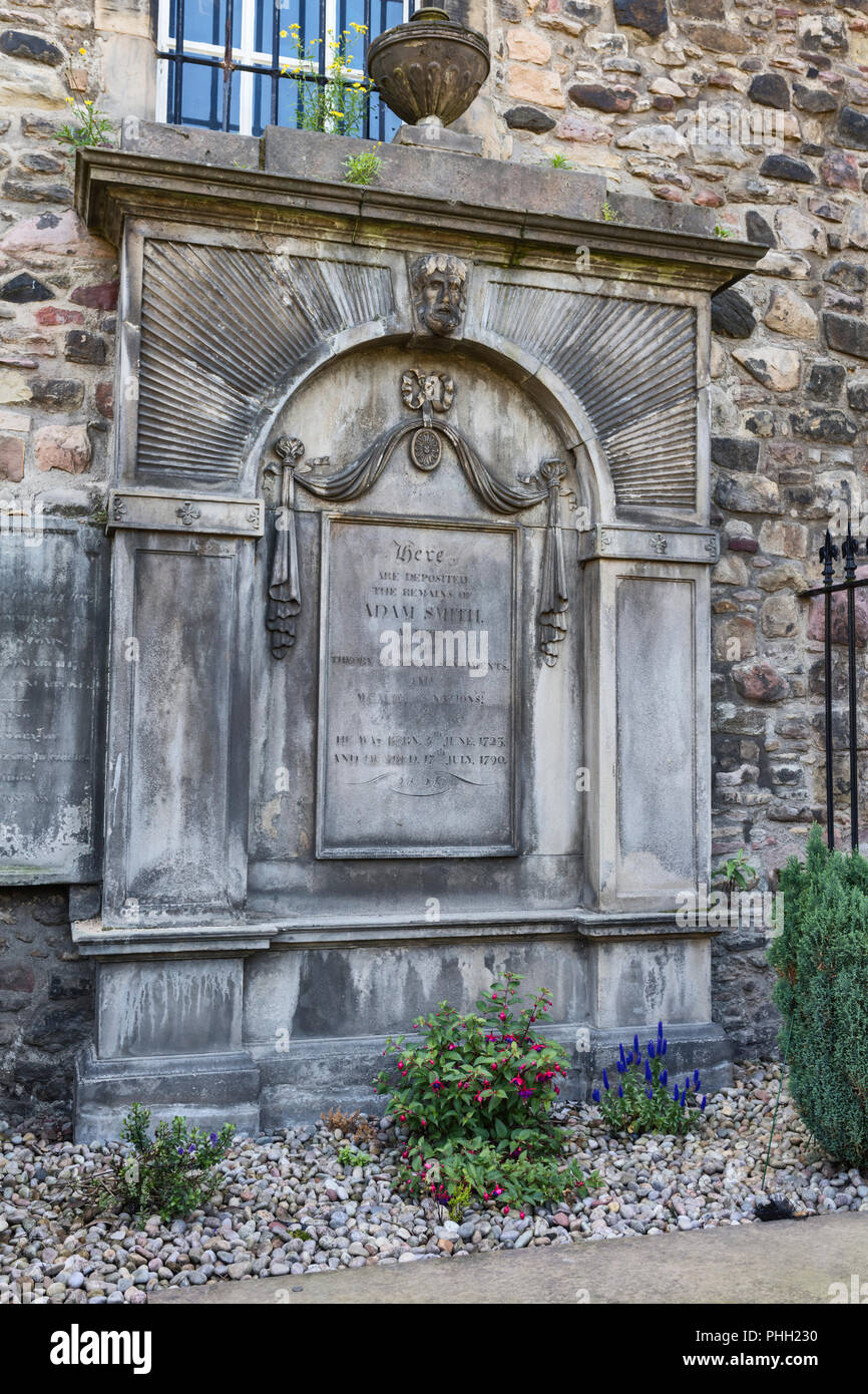 Adam Smith tomb, Cannongate church cemetery, Edinburgh, Scotland, UK Stock Photo