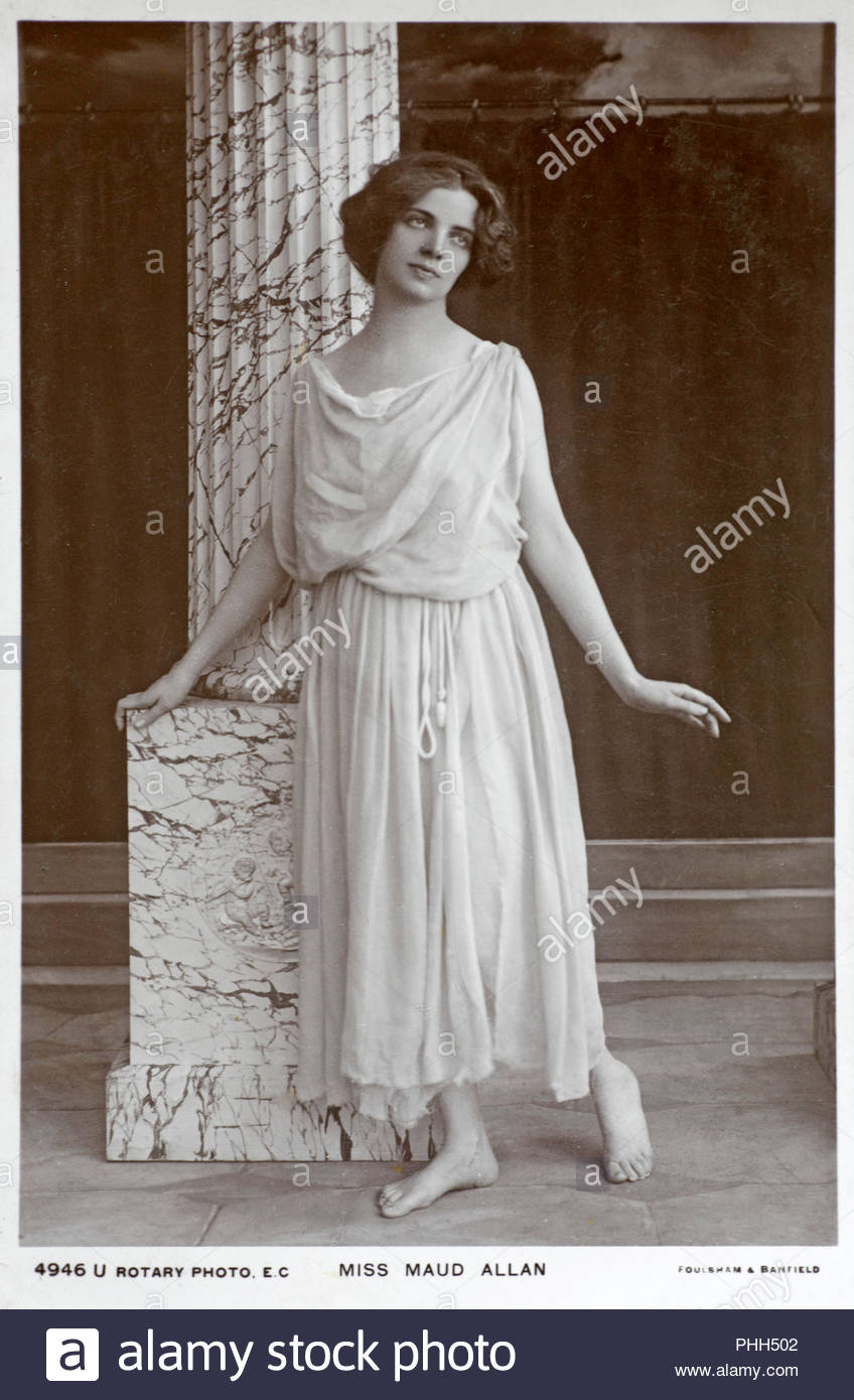 Maud Allan portrait 1873 – 1956 was a Canadian pianist-turned-actress, dancer and choreographer who is remembered for her 'impressionistic mood settings', vintage real photograph postcard from 1908 - Stock Image