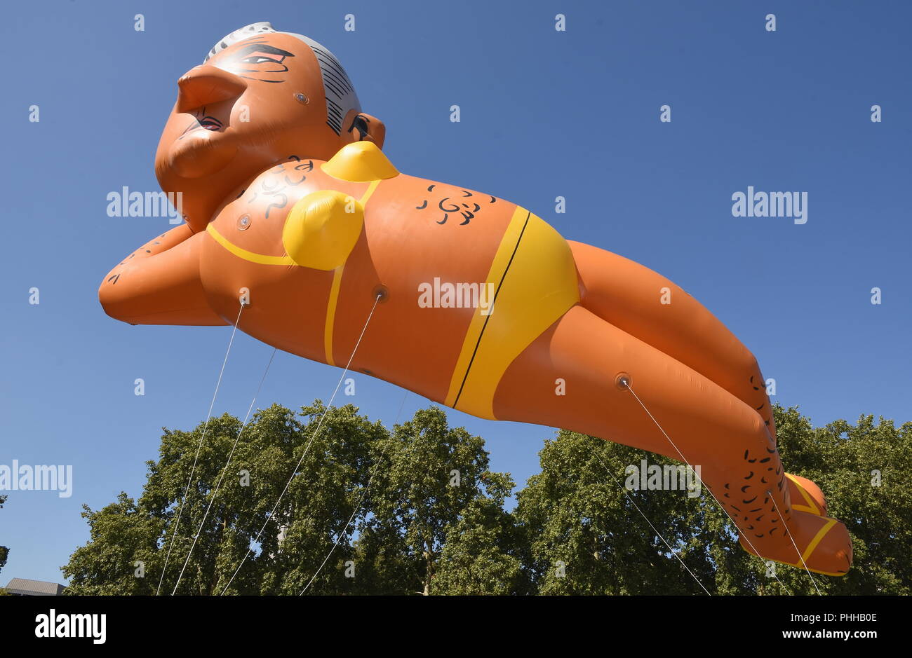 London, UK. 1st September, 2018. Make London Safe Again Campainers flew a 29 ft balloon of Sadiq Khan wearing a bikini to mark the fight back against rising knife and gun crime amid the lack of action from the London Mayor,Parliament Square,London.UK Credit: michael melia/Alamy Live News - Stock Image