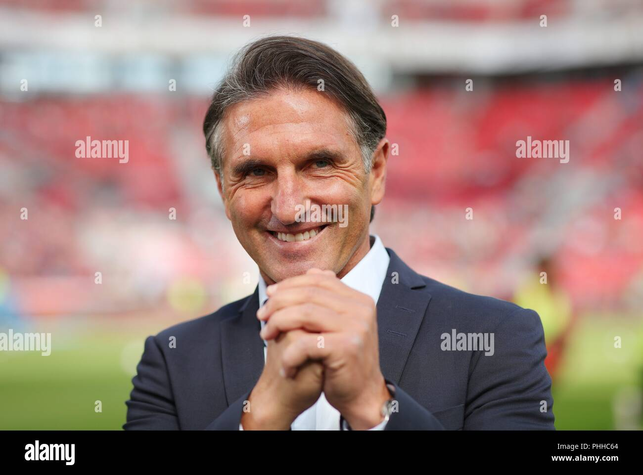firo: 01.09.2018, Football, 1.Bundesliga, season 2018/2019, Bayer 04 Leverkusen - VfL Wolfsburg coach Bruno LABBADIA, Wolfsburg, Portrait   - Stock Image