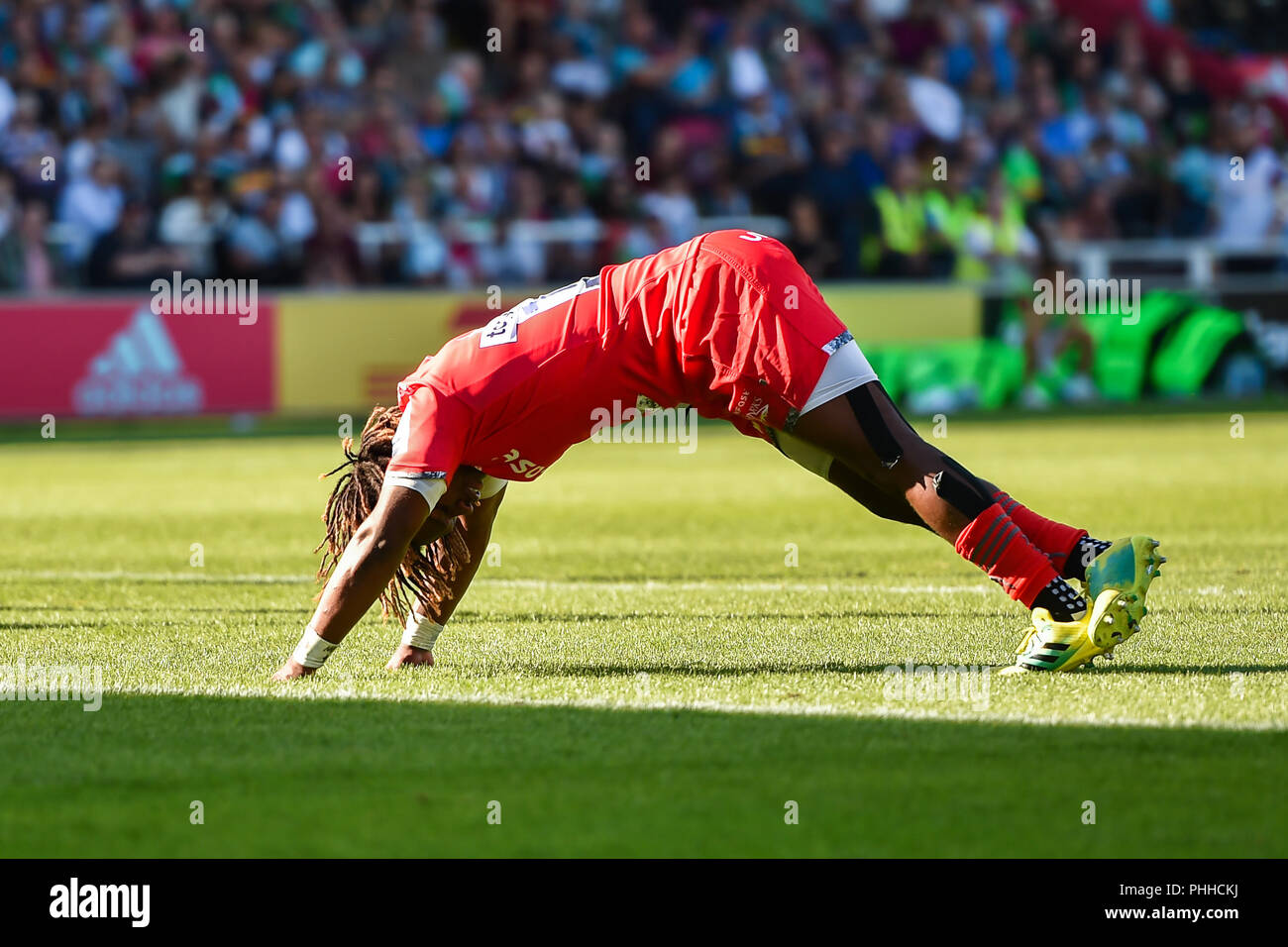 Twickenham, London, UK. 1st September, 2018. Marland Yarde of Sale Sharks starches during Gallagher Premiership match between Harlequins and Sale Sharks at Twickenham Stoop on Saturday, 01 September 2018. LONDON ENGLAND. Credit: Taka G Wu Credit: Taka Wu/Alamy Live News - Stock Image