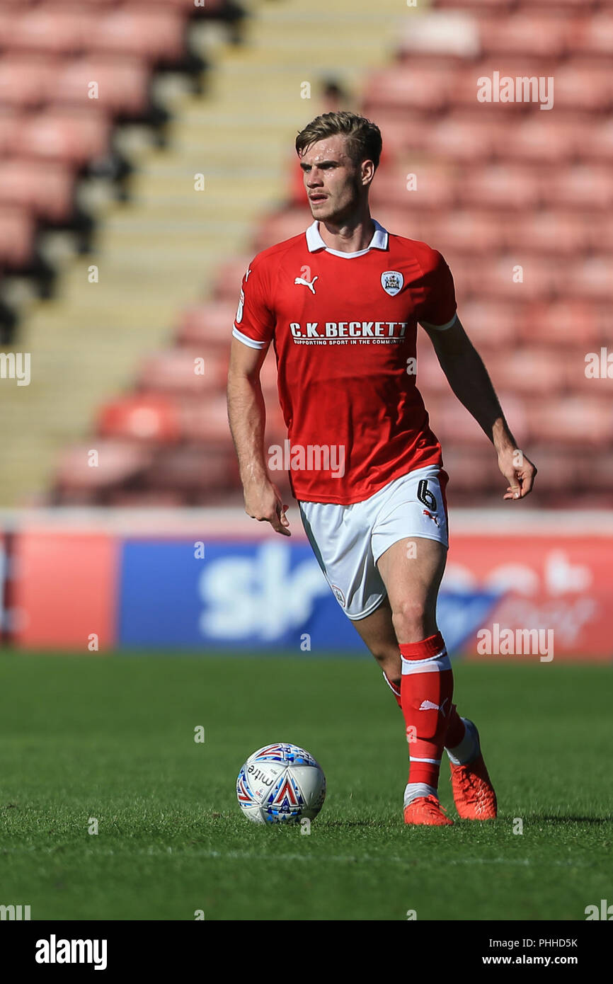 Barnsley, UK. 1st September 2018, Oakwell, Barnsley, England; Sky Bet League One, Barnsley v Gillingham ; Liam Lindsay (06) of BarnsleyEditorial use only, license required for commercial use. No use in betting, games or a single club/league/player publications. Credit: News Images /Alamy Live News - Stock Image