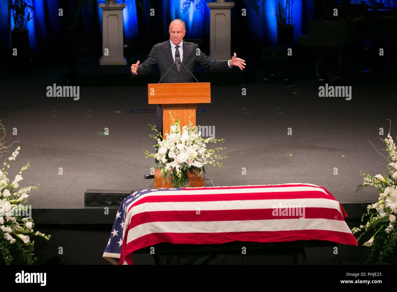Former Arizona Attorney General Grant Woods pays tribute to