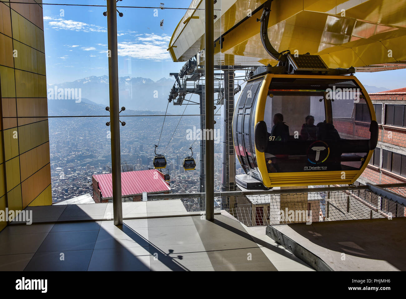 Mi Teleferico, the public transport cable car system, in El Alto, La Paz, Bolivia - Stock Image