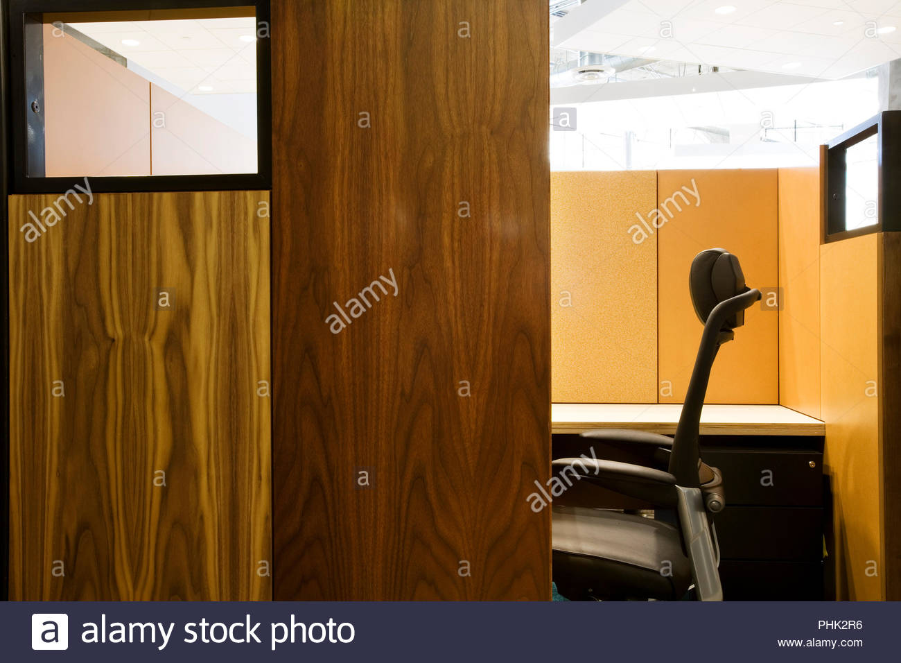 Wooden office cubicle - Stock Image