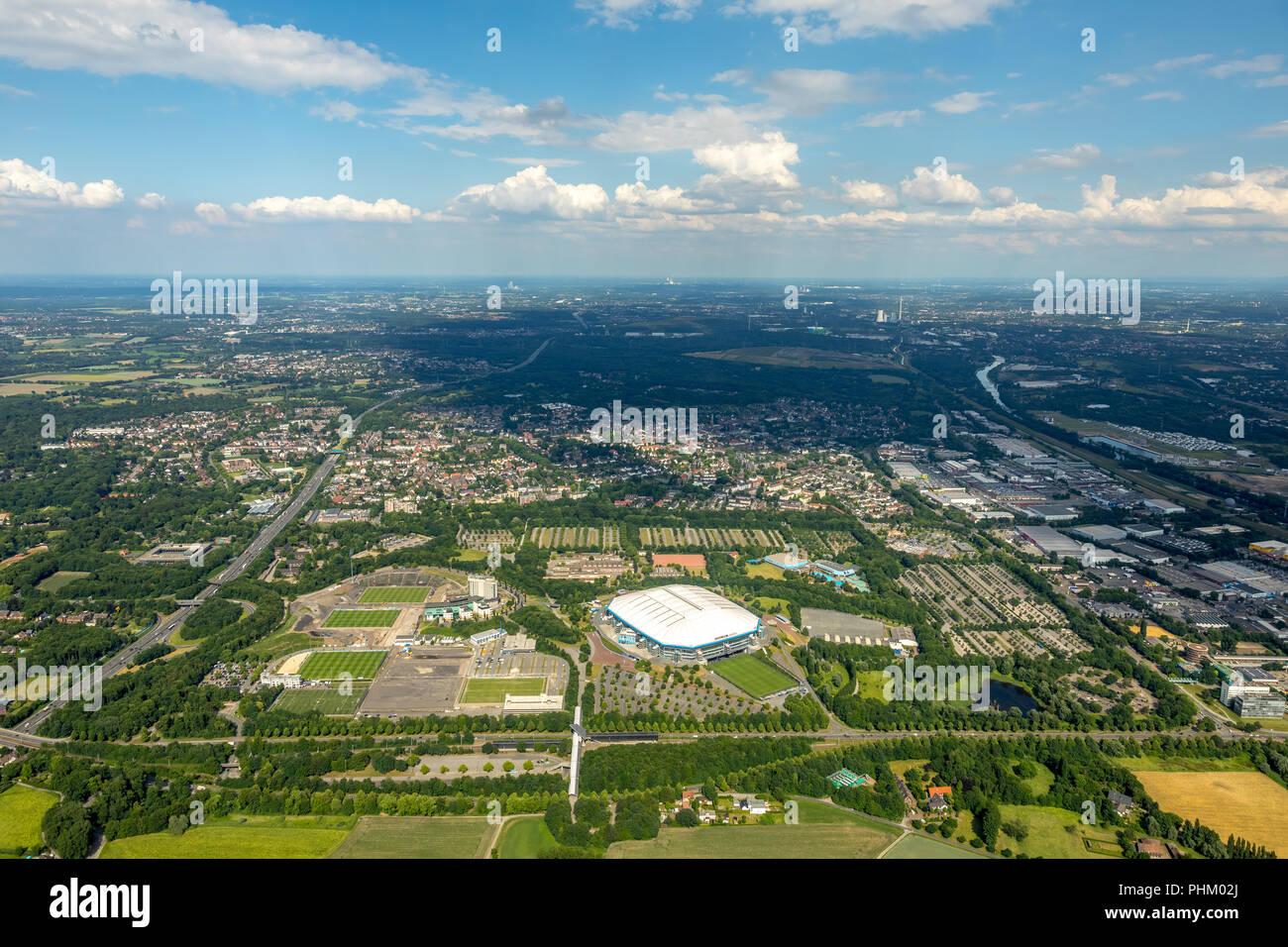 Luftbild, ARENA PARK Gelsenkirchen, Veltins-Arena, Arena AufSchalke in Gelsenkirchen ist das Fußballstadion des deutschen Fußball-Bundesligisten FC Sc - Stock Image