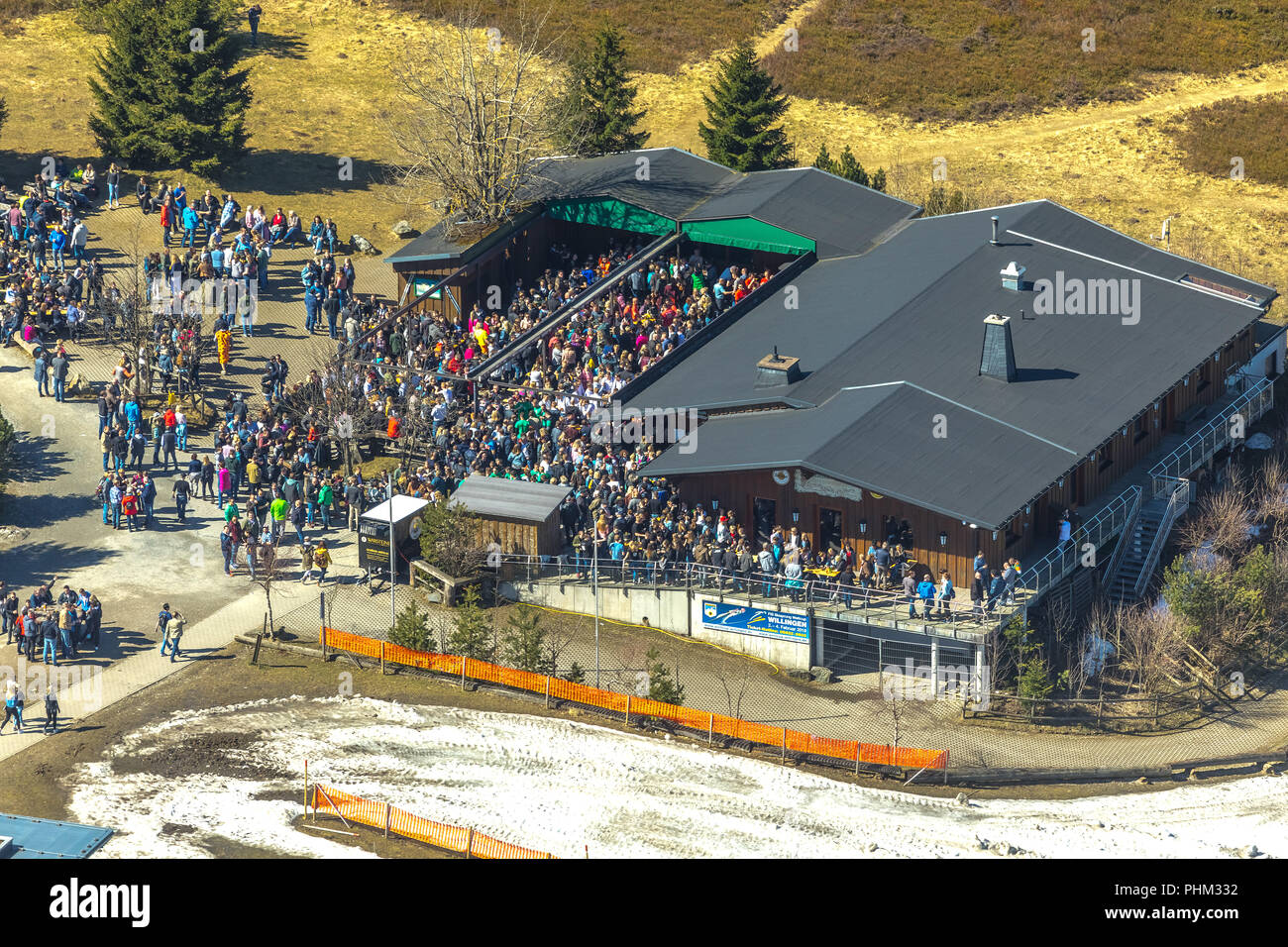 , Ettelsberg with Ettel Tower, Siggis Hut, convivial mountain inn at the cable car stop, in Willingen in Hesse. Willingen (Upland), Landkreis Waldeck- - Stock Image