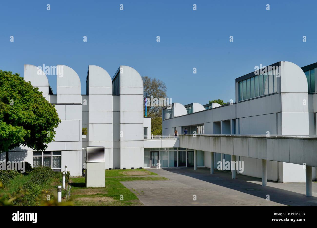 Bauhaus-Archiv, Museum fuer Gestaltung, Klingelhoeferstrasse, Tiergarten, Mitte, Berlin, Deutschland / Klingelhoeferstrasse - Stock Image