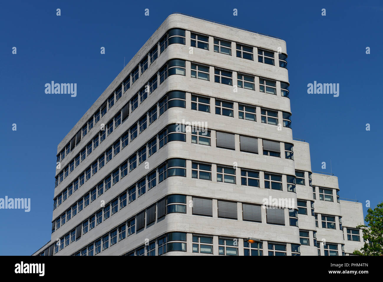 Shell-Haus, Reichpietschufer, Tiergarten. Mitte, Berlin, Deutschland - Stock Image
