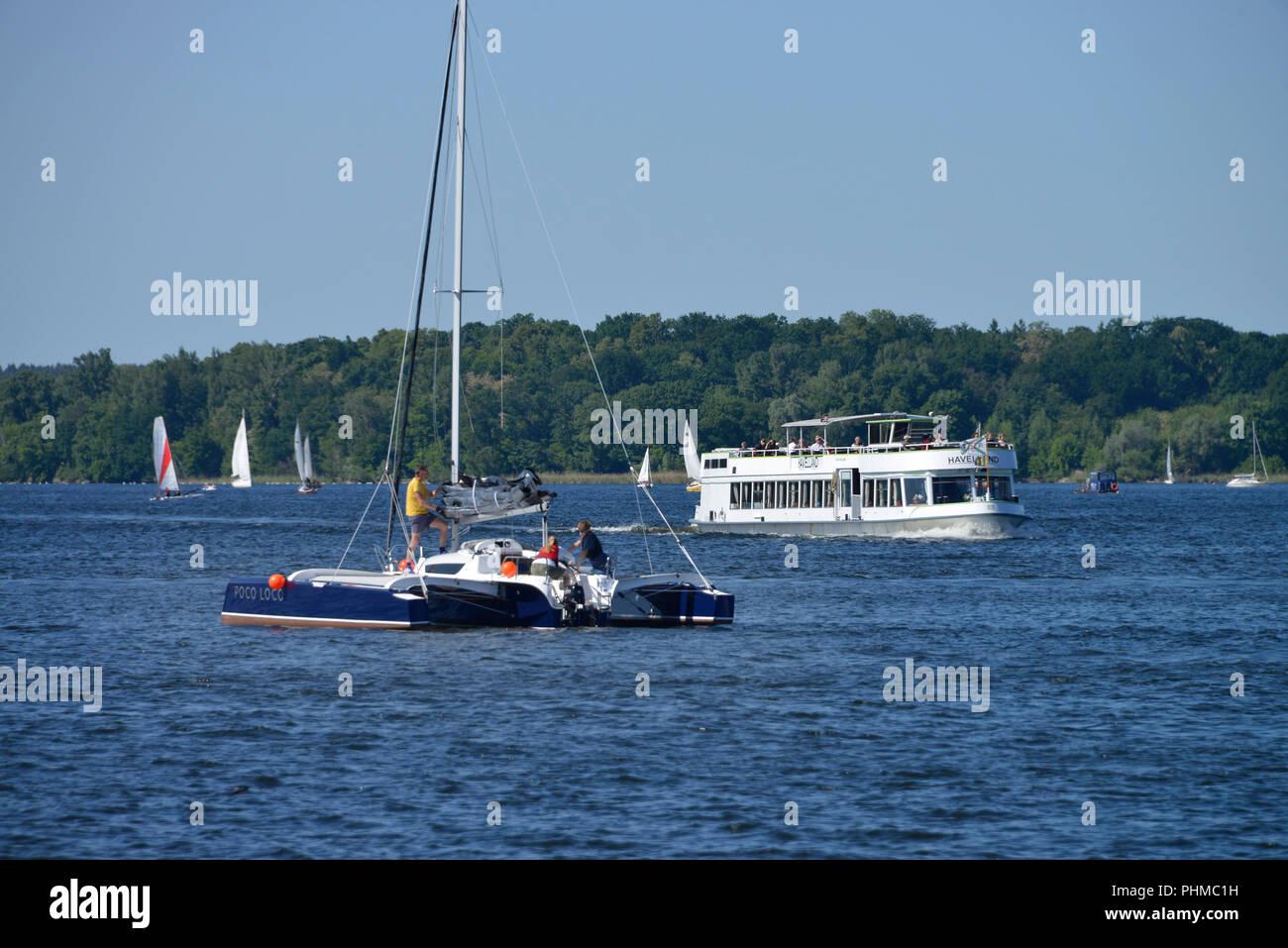 Segelboot Dampfer Wannsee, Berlin, Deutschland - Stock Image