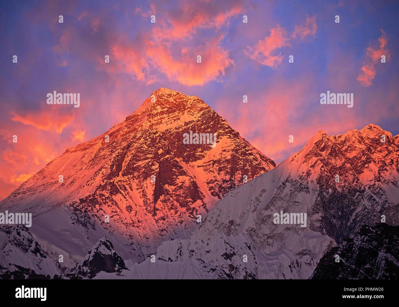 Mount Everest (8848 m) at sunset. - Stock Image