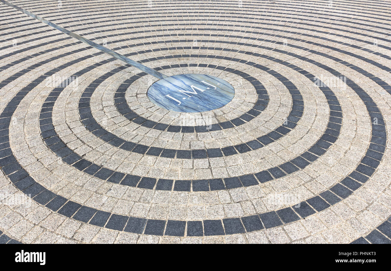 Pavement with concentric pattern - Stock Image