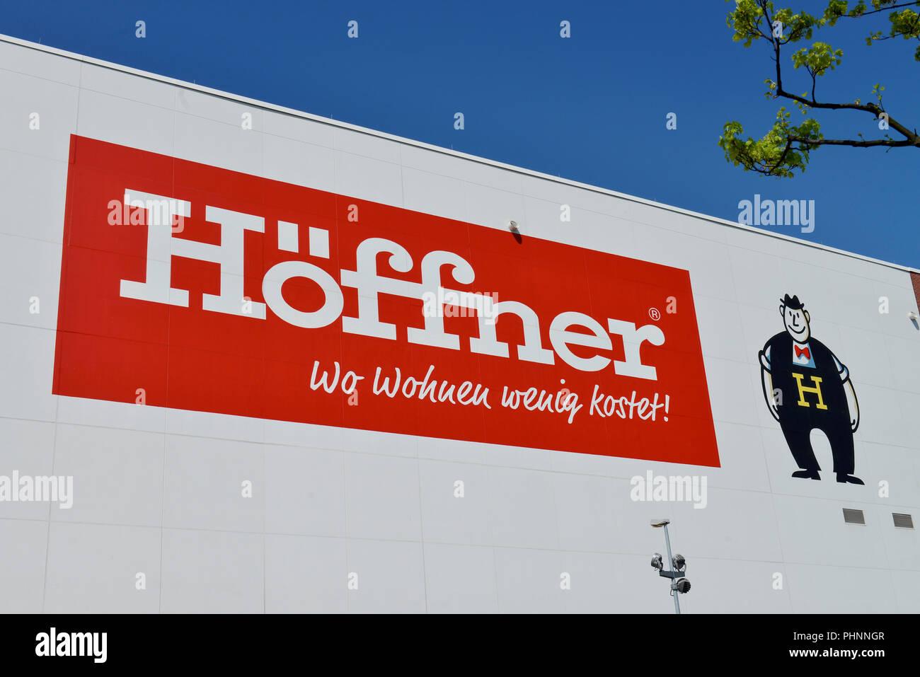 Moebel Hoeffner Sachsendamm Schoeneberg Berlin Deutschland Stock