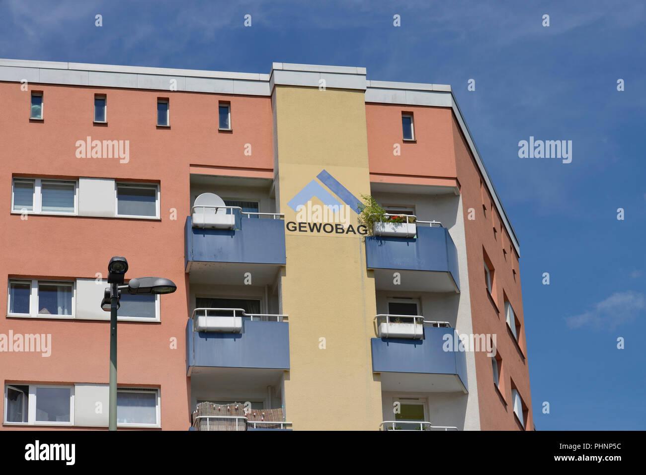 Wohnhaus, Motzstrasse, Gewobag, Schoeneberg, Berlin, Deutschland - Stock Image