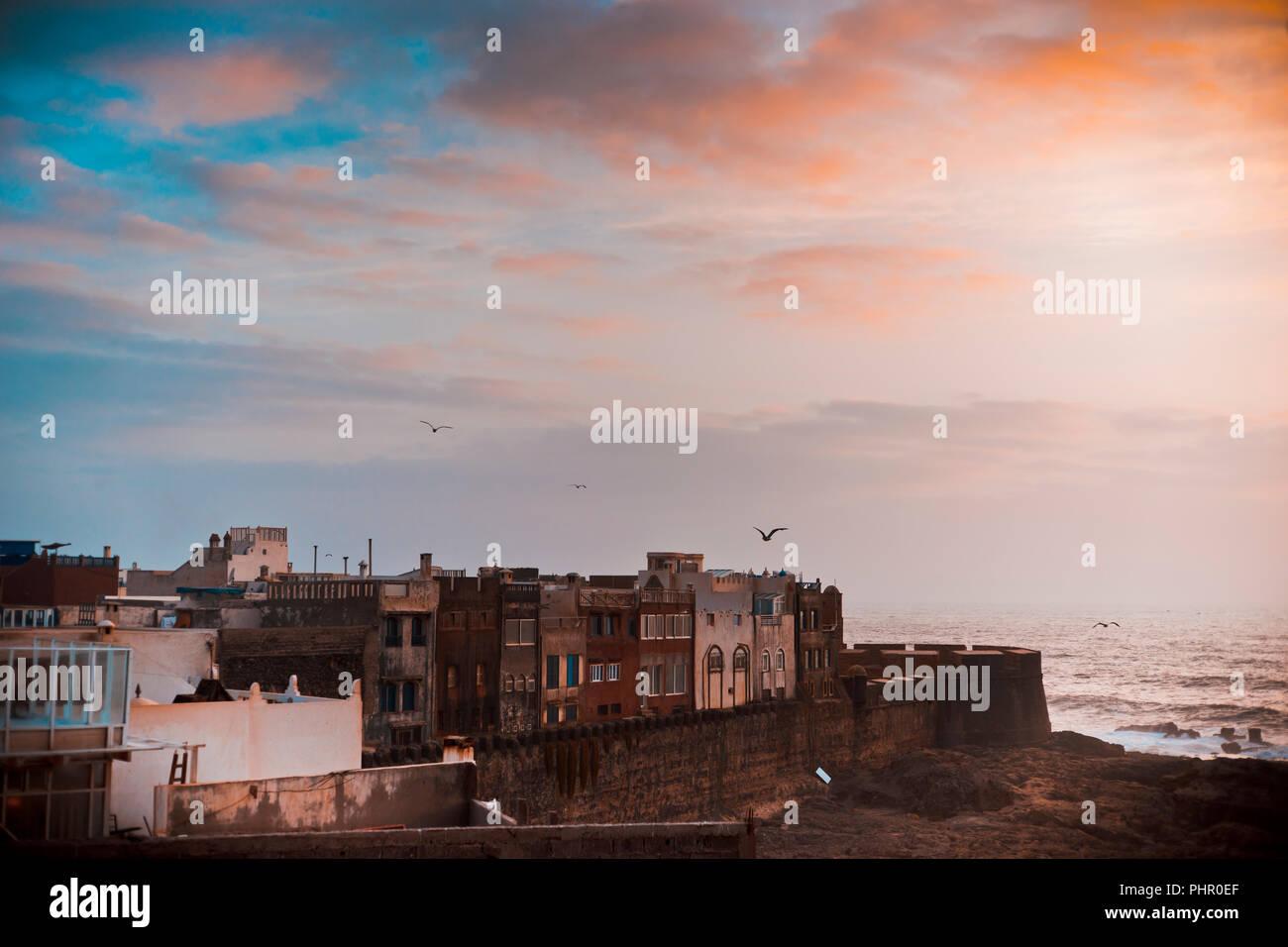 Panorama der  Hafenstadt Essaouira an der Atlantikküste in Marokko - Stock Image