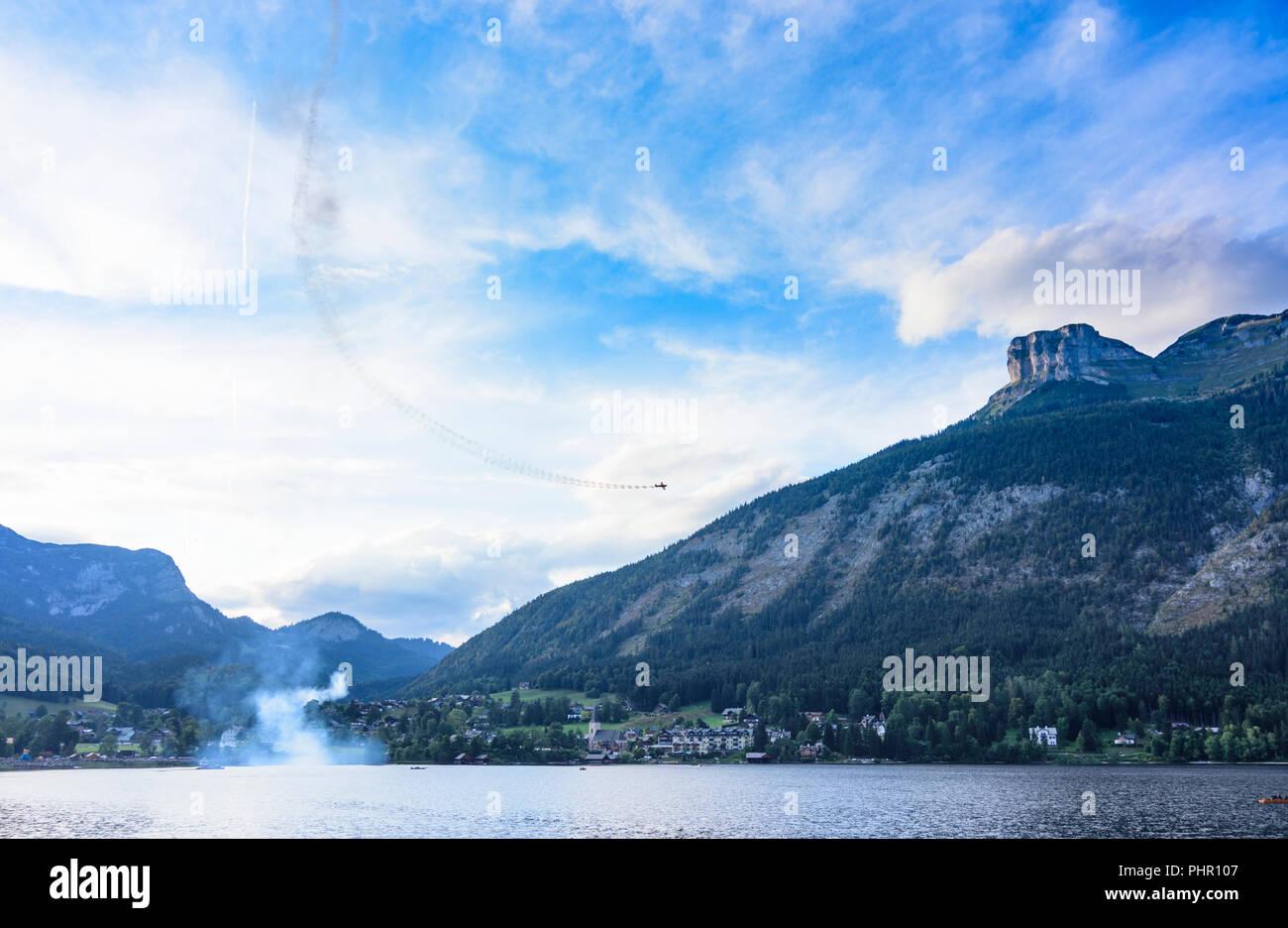 Altaussee: lake Altausseer See, village Altaussee, mountain Loser, airshow at festival 'Berge in Flammen', Ausseerland-Salzkammergut, Steiermark, Styr - Stock Image